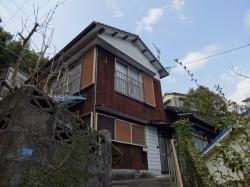 隠し階段のある古い家・・・
